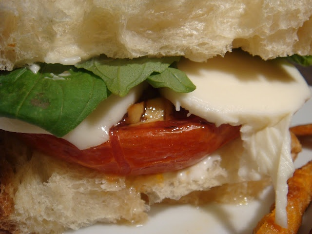 Balsamic Roasted Tomato Caprese Sandwich | Live To Eat | Pinterest