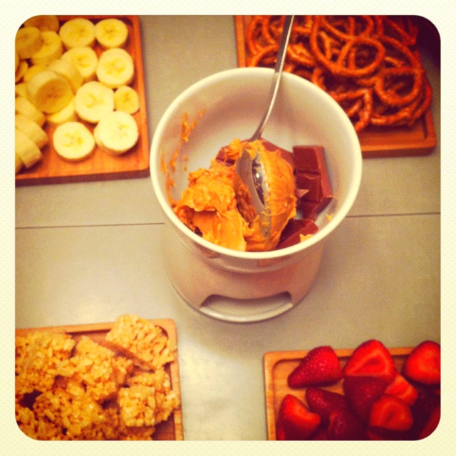 Chocolate & chunky peanut butter fondue!