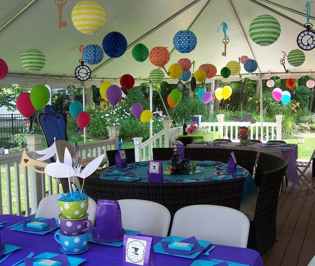 Mad hatter alice in wonderland birthday party ideas for Alice in wonderland party decoration ideas