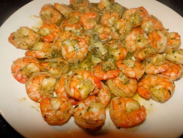 Sautéed shrimps with garlic and coriander
