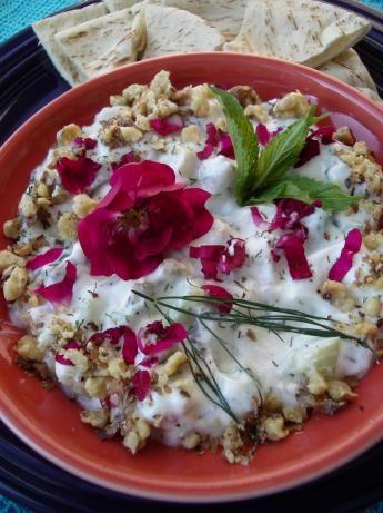 Mast-O Khiar (Persian Yogurt and Cucumber Dip) | Recipe