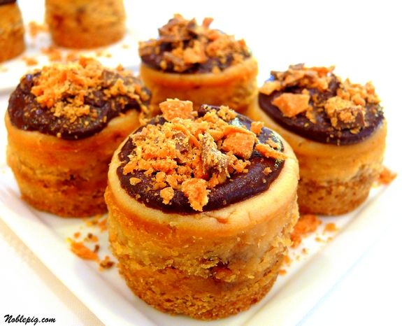 Mini Peanut Butter-Finger Cheesecakes | Noble Pig