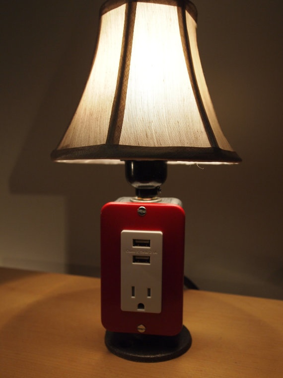mini table or desk lamp with usb charging station by bosslamps. Black Bedroom Furniture Sets. Home Design Ideas