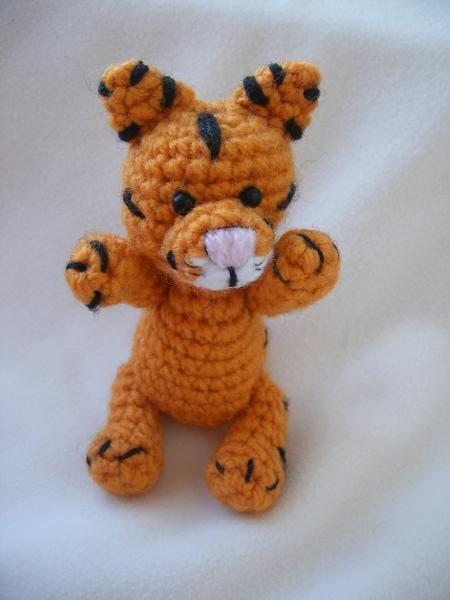 crochet tiger, free pattern crochet ideas Pinterest