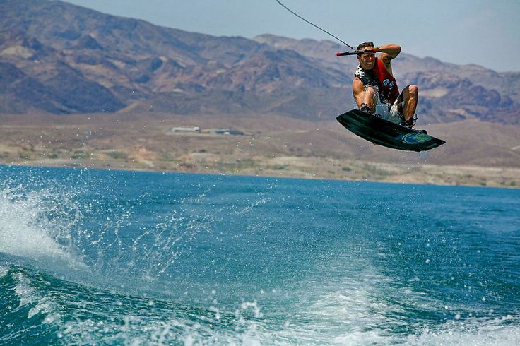 descriptive essay on wakeboarding Writing a descriptive essay is a normal part of school life though, not everyone is a whiz when it comes to writing some find it hard to express their some tips to remember include visualizing one's preferred voice in the essay, the detailed description, the purpose, and the precision of words used.
