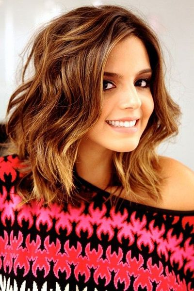 Collarbone-length layered hairstyles are great on thick hair. Read ...