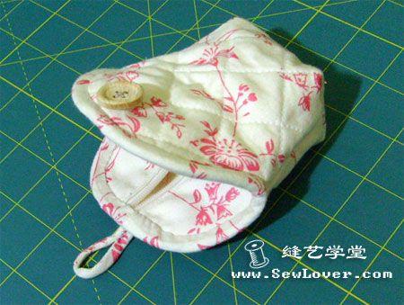 仿口金零钱包 - Tutorial - I love this little bag with a zipped cover and button!!