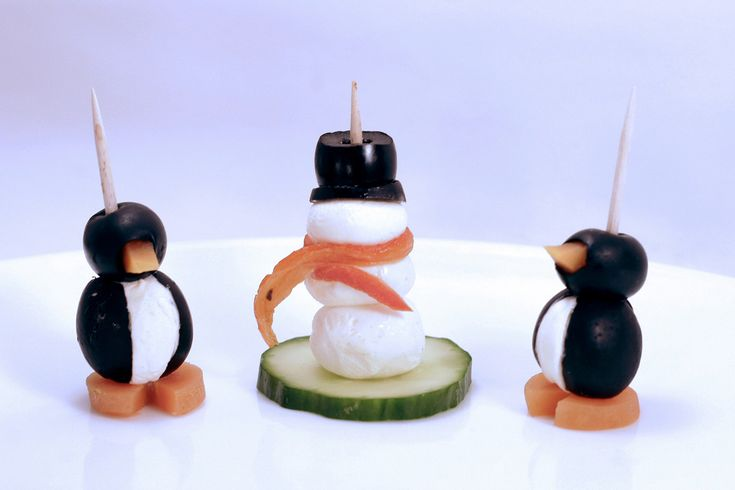 olive, carrot, cream cheese penguins | chillin party | Pinterest