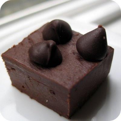 super easy chocolate fudge. | food & drink | Pinterest