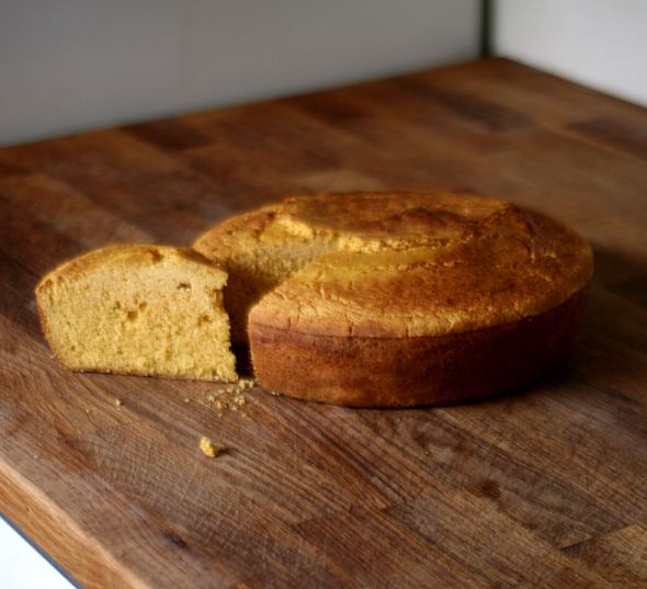 Old Fashioned, yeast-raised, gluten free cornbread. Yes please.