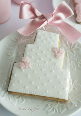 Simple and pretty wedding cake cookie decorated cookie love pint