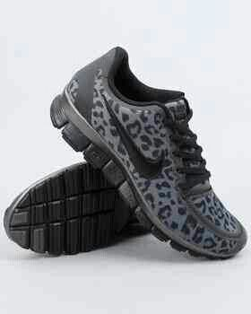 Nike cheetah running shoes