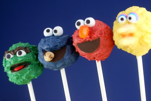 sesame street cake pops (oscar the grouch, cookie monster, elmo, big bird) i want these for jazzys birthday!