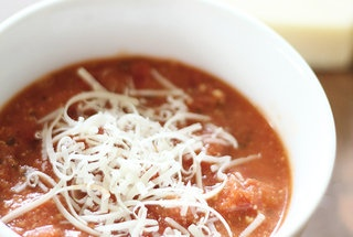 Creamy Tomato Parmesan Soup - I'm not really a fan of tomatoes, but ...