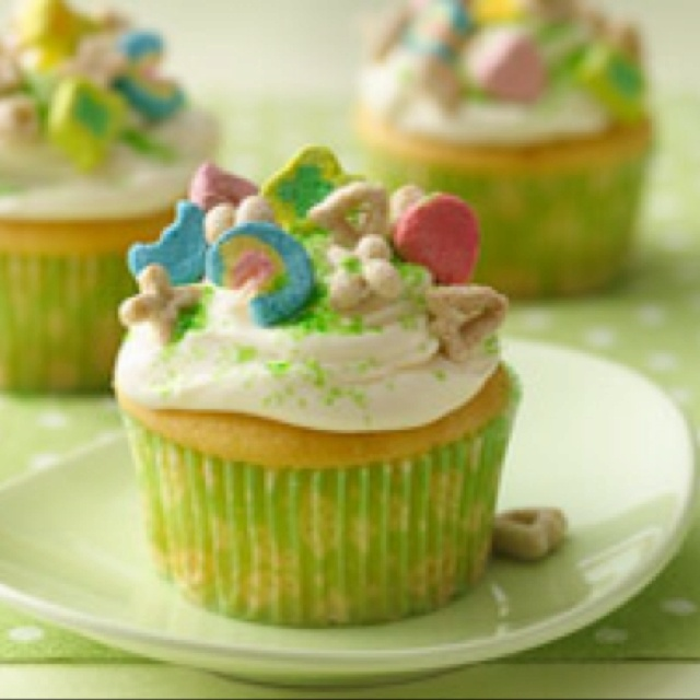Lucky charm cupcake | IN YOUR PIE HOLE DELICIOUS NIBBLES | Pinterest