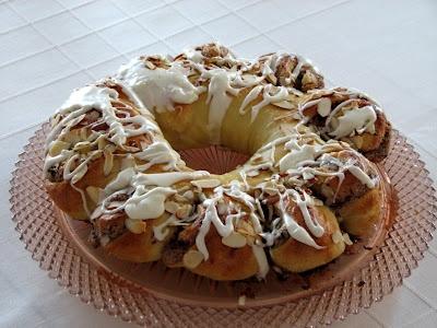Chocolate Almond Coffee Cake Ring | Dessert Recipes | Pinterest