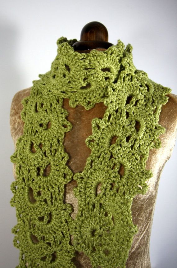 Crochet Queen Anne lace scarf - green Things to crochet Pinterest