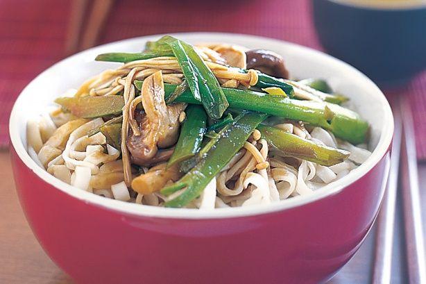 Three-mushroom noodles - 297 Cal / 950kj