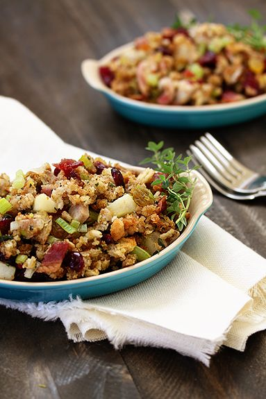 Herbed Stuffing with Bacon and Leeks | Recipe