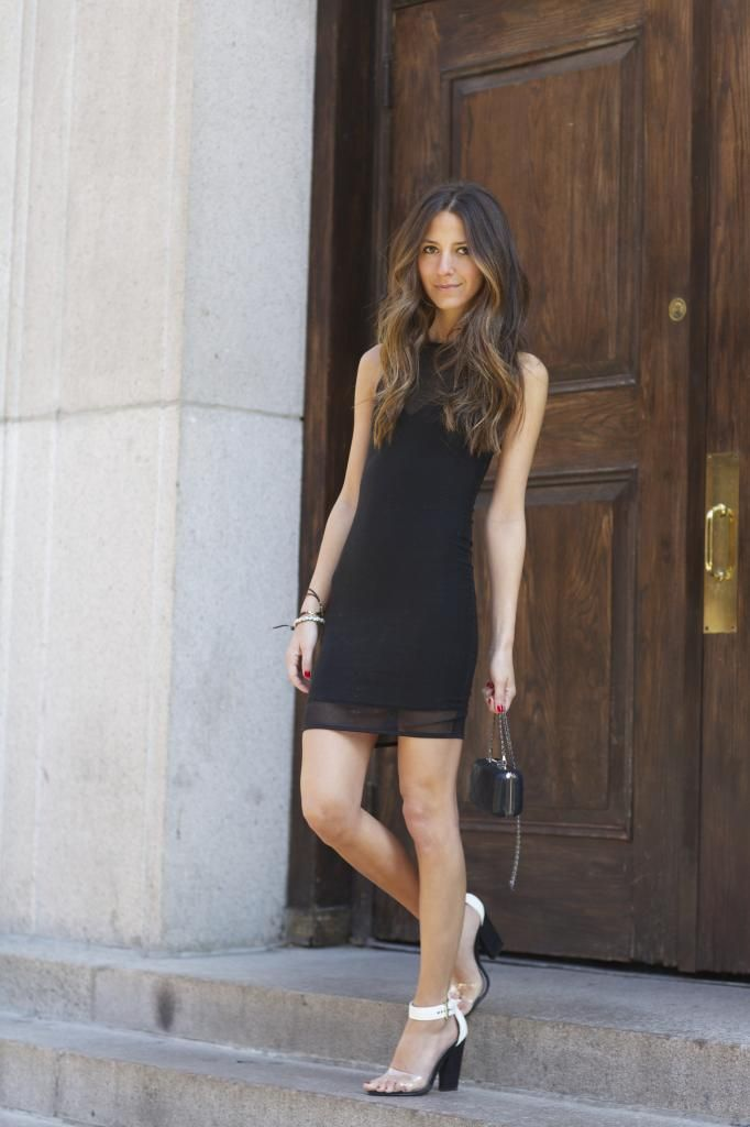 Arielle from Something Navy >>www.somethingnavy.com shows us subtle and sexy style with the Nicole x Missguided Double Layer Mini Dress & Barbie Heeled Sandals in Black Colour Block with Perspex Detail.