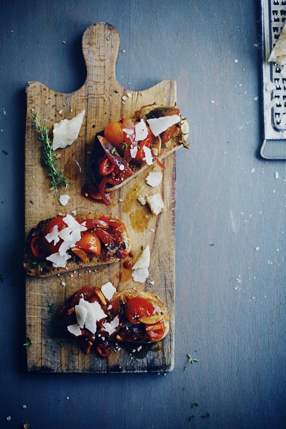Tomato on toast with fresh Leccino oil #roundpondexperience
