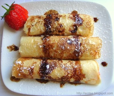 ... delicious: Strawberry and Ricotta Cheese Crepes with Balsamic Sauce