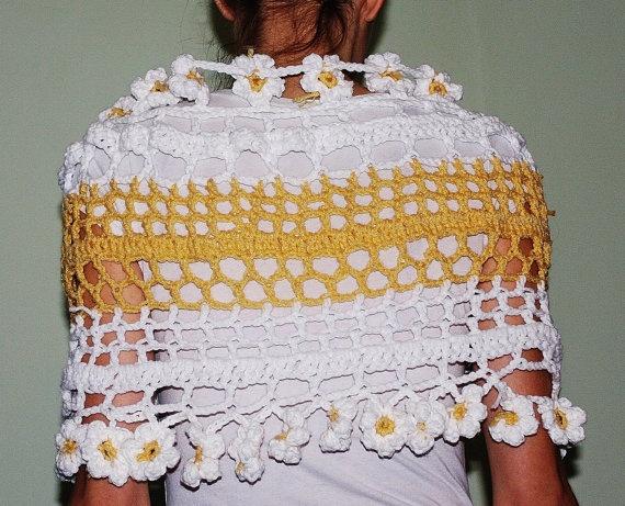 Daisy Poncho Shawl Sweater White and Yellow with by HoneysHandeys,
