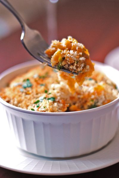 "Turkey Pasta Bake (made with a sweet potato ""cream"" sauce!)"