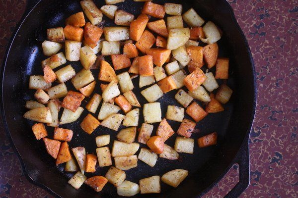 Meatless Monday: Skillet Home Fries with Herbs de Provence - Feed Me ...