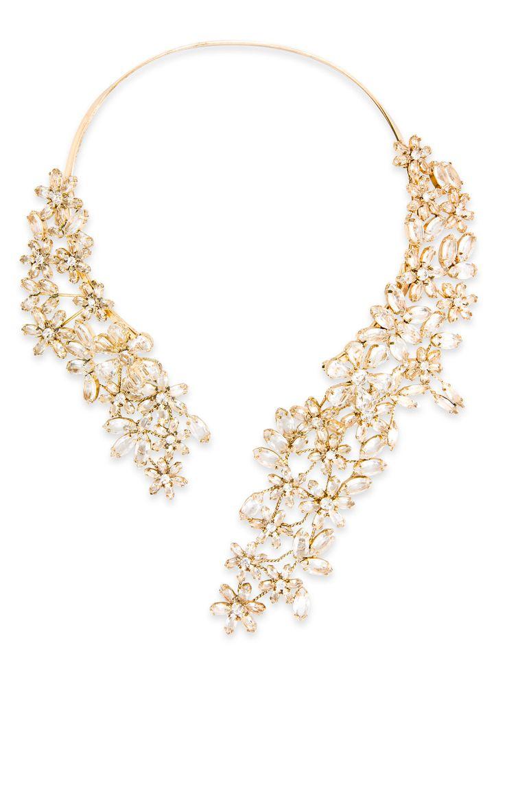 floral necklace bcbg fashion inspiration