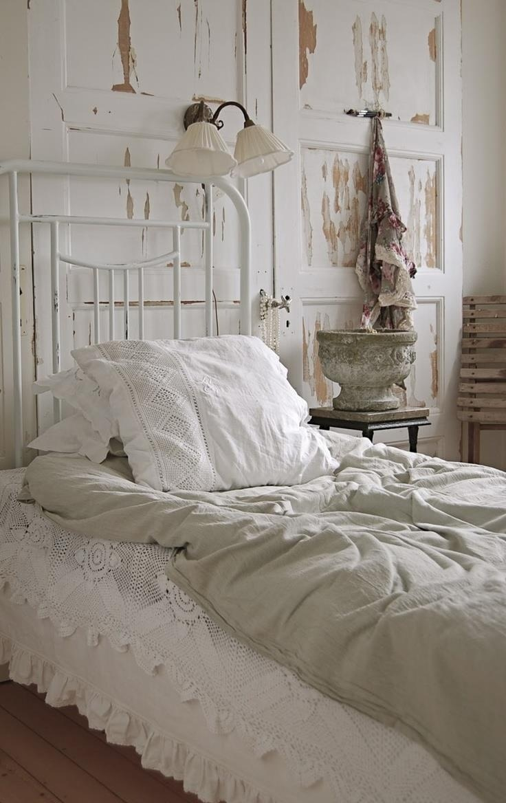 i love these plain colors in the bedroom