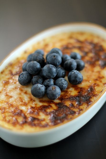 lavender-creme-brulee-with-fresh-blueberries-recipe