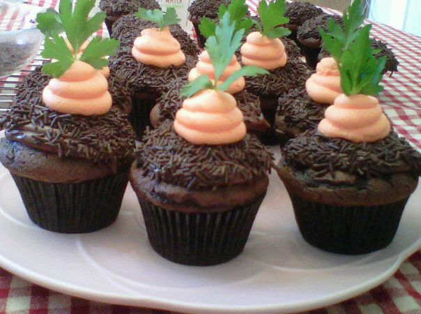 Carrot Top Cupcakes, cute! | Easter | Pinterest