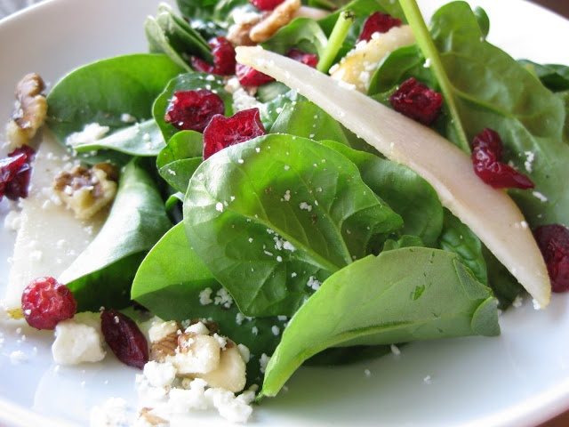 Spinach, Pear, and Walnut Salad