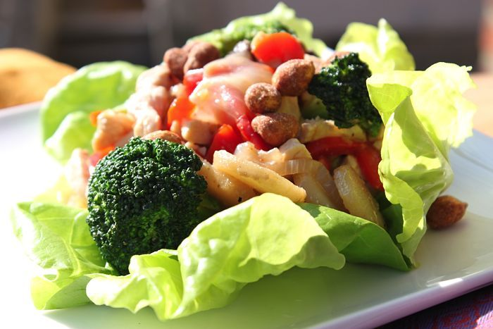 Lettuce Wraps Stuffed with Ginger Chicken Stir-Fry - Stuff the lettuce ...