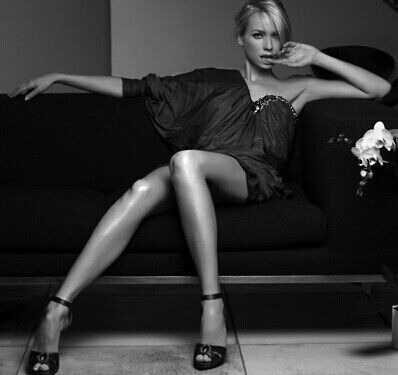 Naomi Watts | 7. Photo...