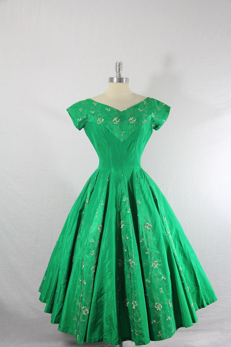 1950s vintage dress emerald green taffeta with