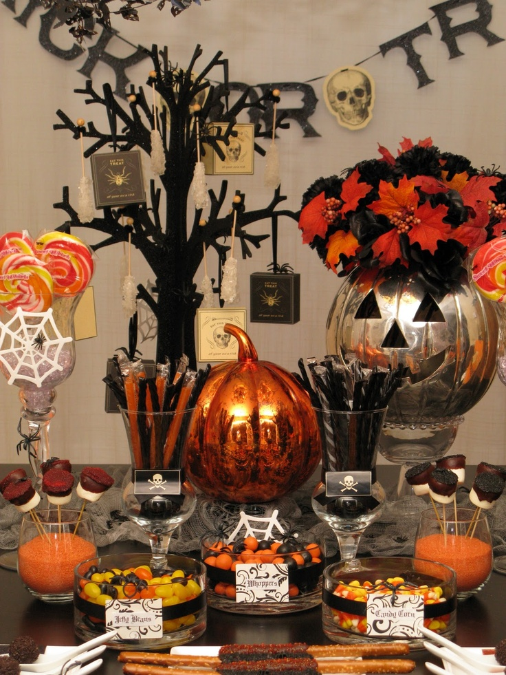 Trick or treat table halloween pinterest for Table 6 trick
