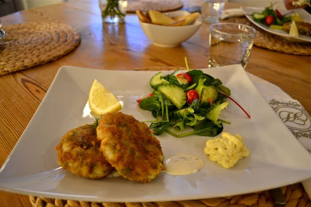 de Pertis: Simple. Fish cakes. Best. Easy. Make at home. lemon ...
