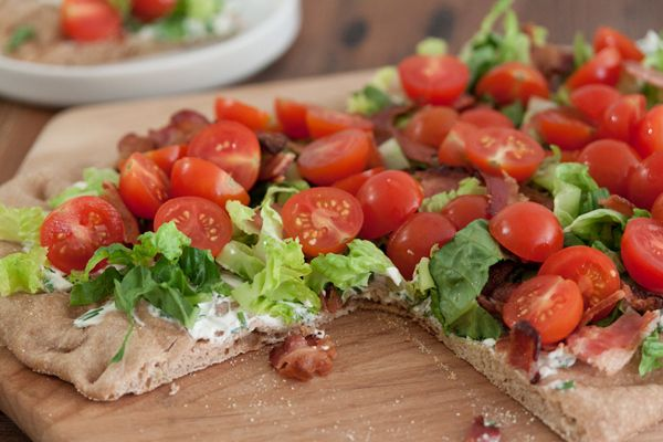 BLT pizza-20 GLORIOUS BLT-INSPIRED RECIPES THAT AREN'T JUST SANDWICHES
