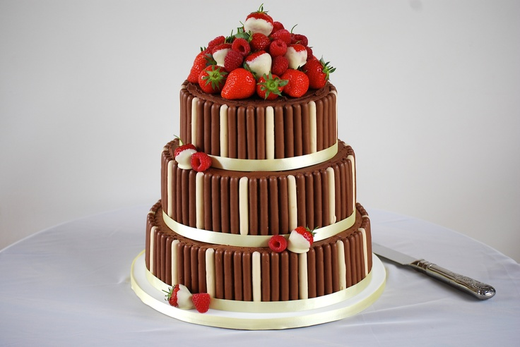 Cake Decorating With Chocolate Fingers : Pin by Hannah on Bake! Wedding Cake Pinterest