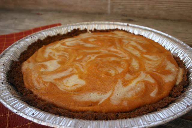 Pumpkin Ginger Cheesecake Pie & Other Thanksgiving Ideas