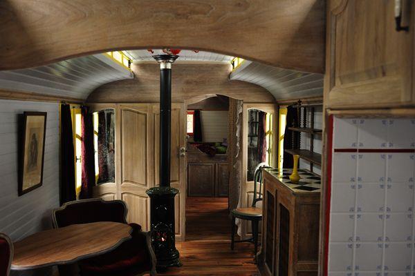 roulotte am nagement recherche google nomade pinterest. Black Bedroom Furniture Sets. Home Design Ideas