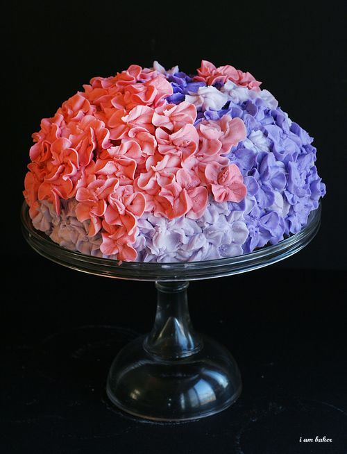 Cake Decorating Hydrangea Flowers : Hydrangea Cake Tutorial - decorating Cake Decorating ...