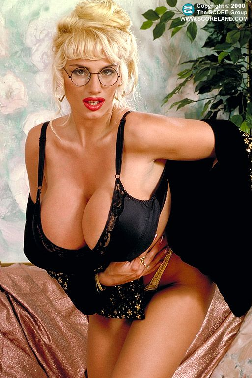 Lisa Lipps klassische Busty Babe