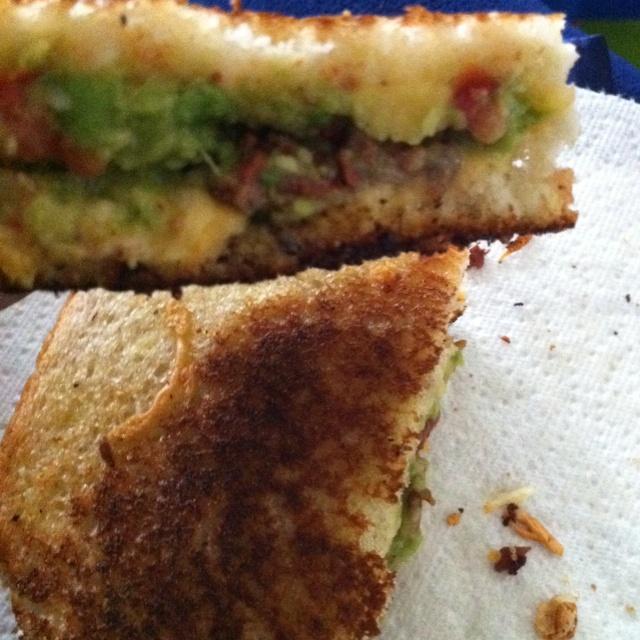 Grilled cheese sandwich w/ carne asada & guacamole :)