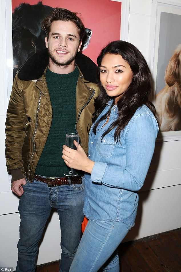 Vanessa White attends pet party without her 'puggle' Maggie