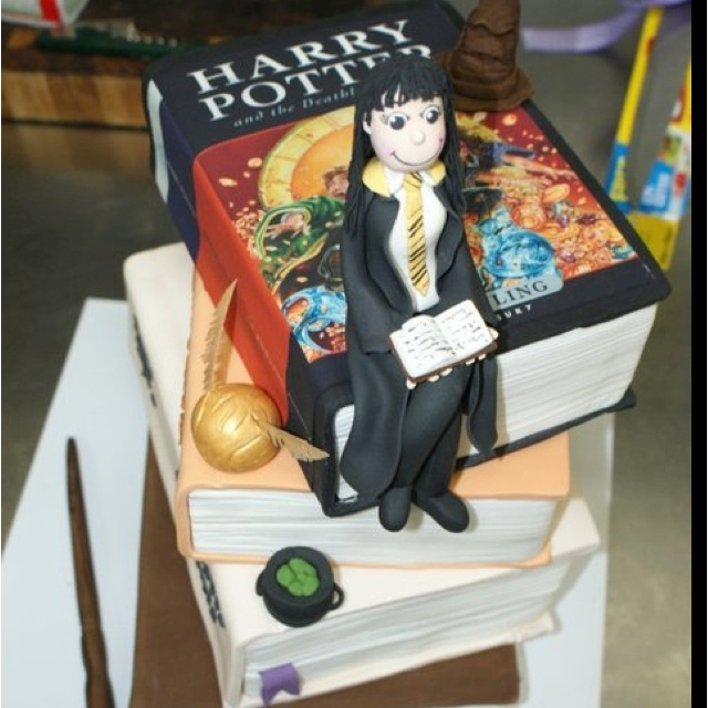 Harry Potter Cake Decorating Kit : My 21st birthday Harry potter Cake The magical enchanting world of Harry Potter! Pinterest