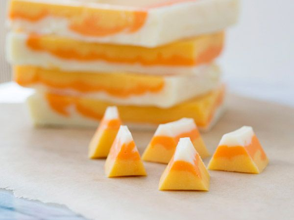 Candy Corn Fudge. I would love to make this cute and yummy Candy Corn ...