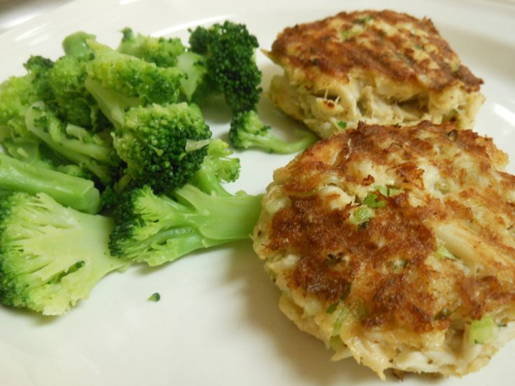 Maryland Crab Cakes | Appitizers / Party Foods | Pinterest